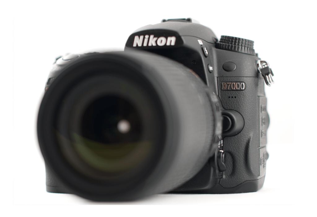Nikon D7000: La Irresistible, Bella y Seductora