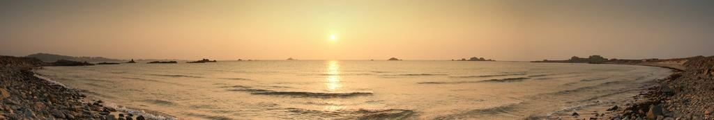 Atardecer en Grande Rocques, Guernsey, Francia
