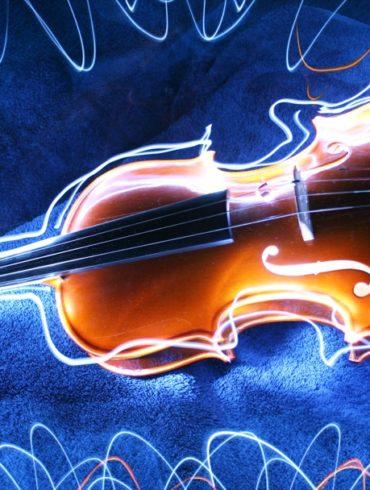 Dibujando un violín