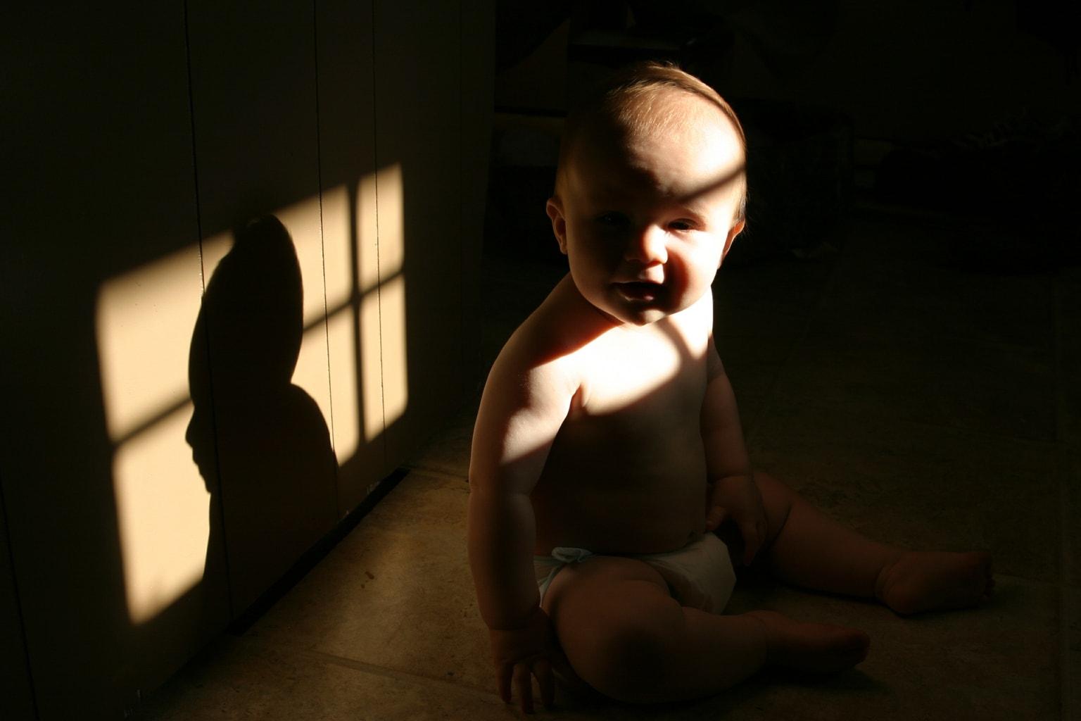 Sombras causadas por la luz procedente de una ventana