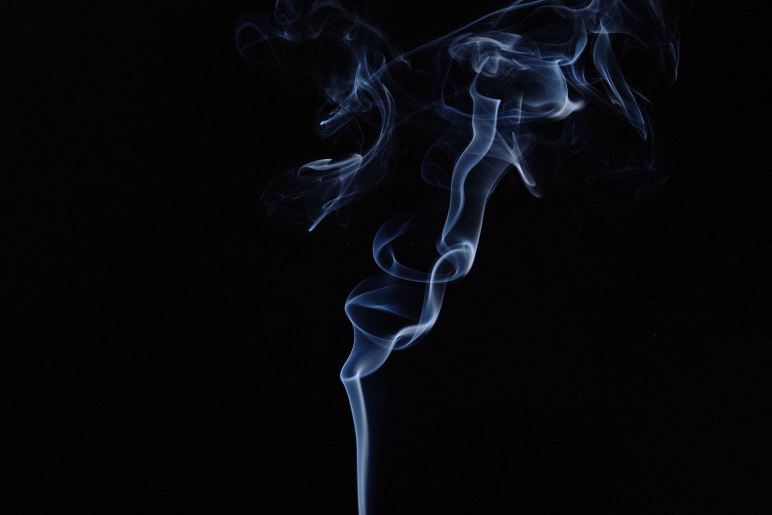 Humo de cigarro y masterbate