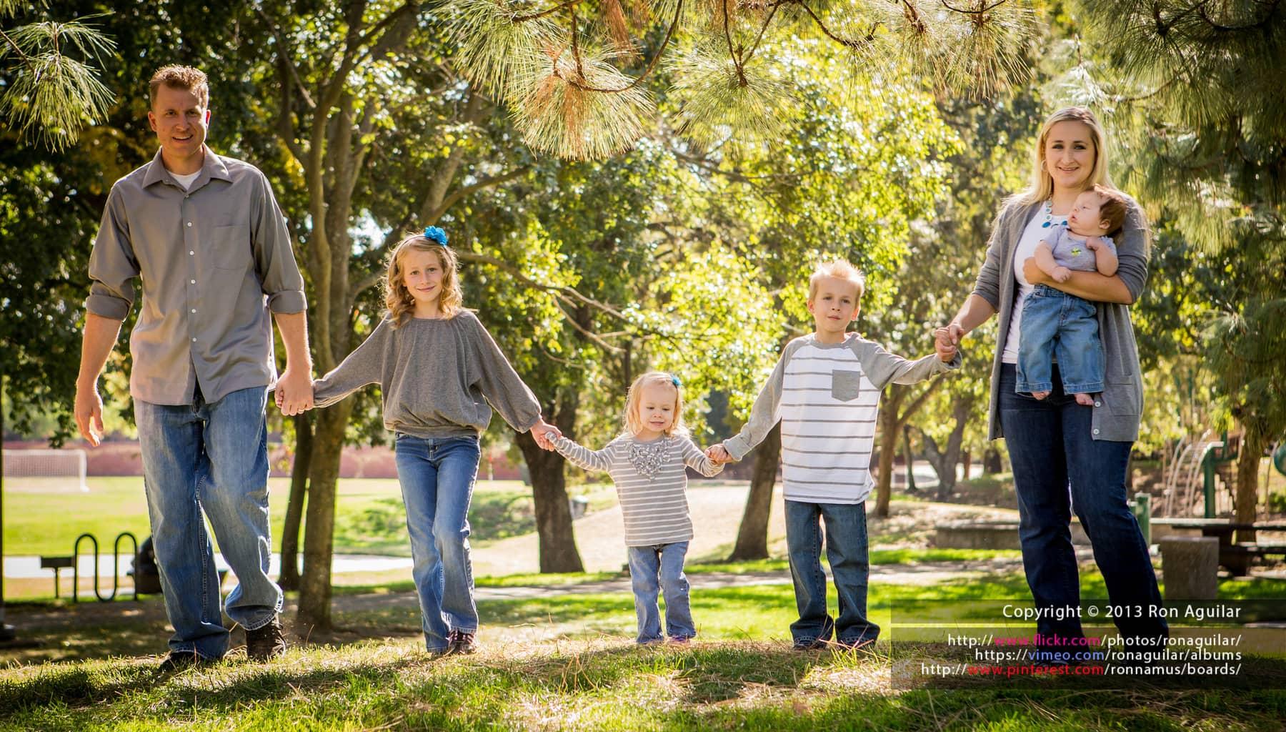 Los colores similares crean armonía y unidad en la fotografía de familia.