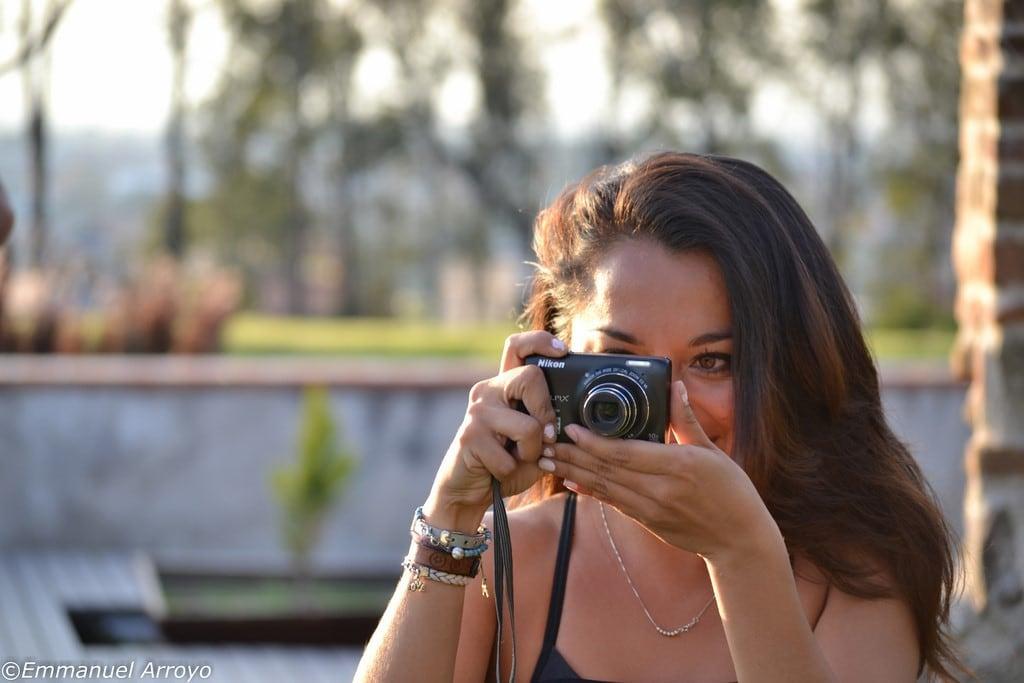 La cámara eres tu y el trípode también.