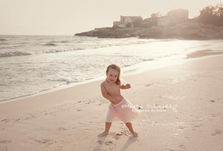 ejemplo niña playa verano