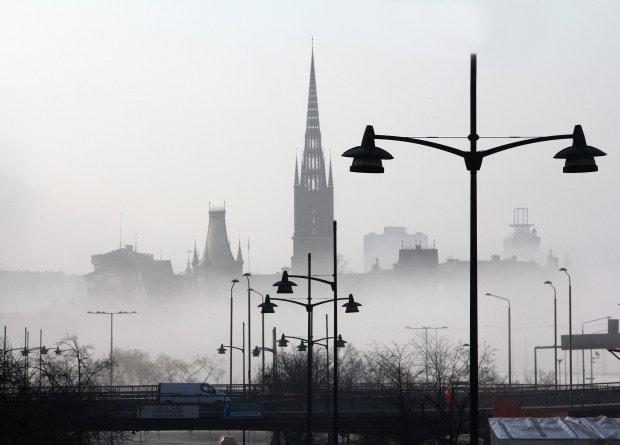Estocolmo bajo la niebla