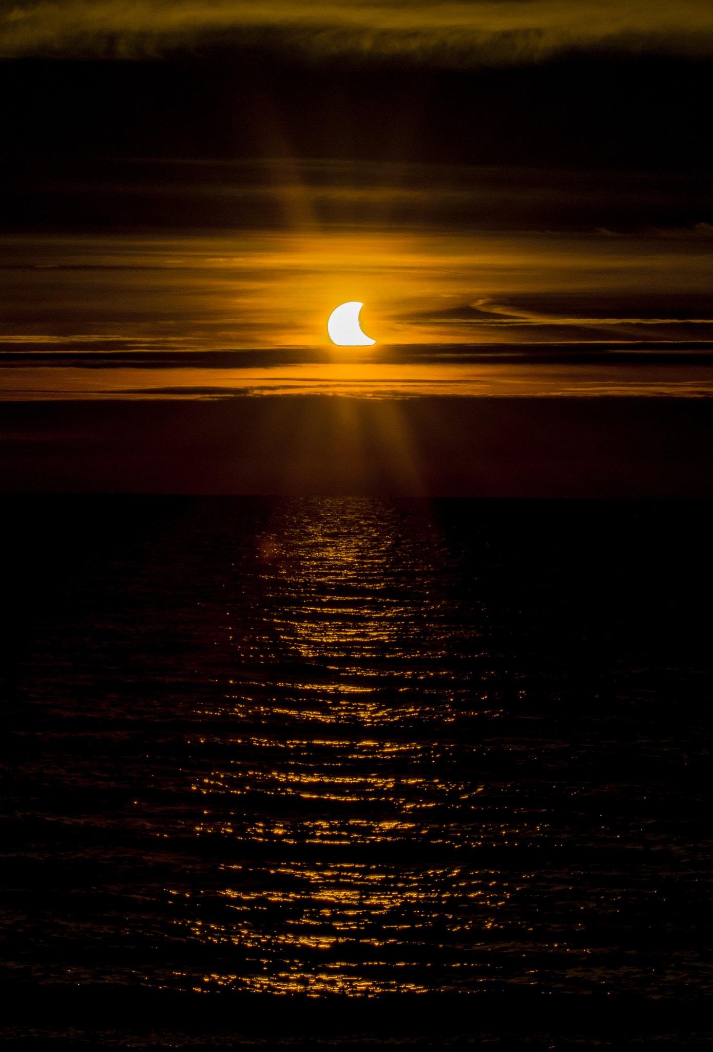 Eclipse fotografiafo por Gary Lloyd-Rees