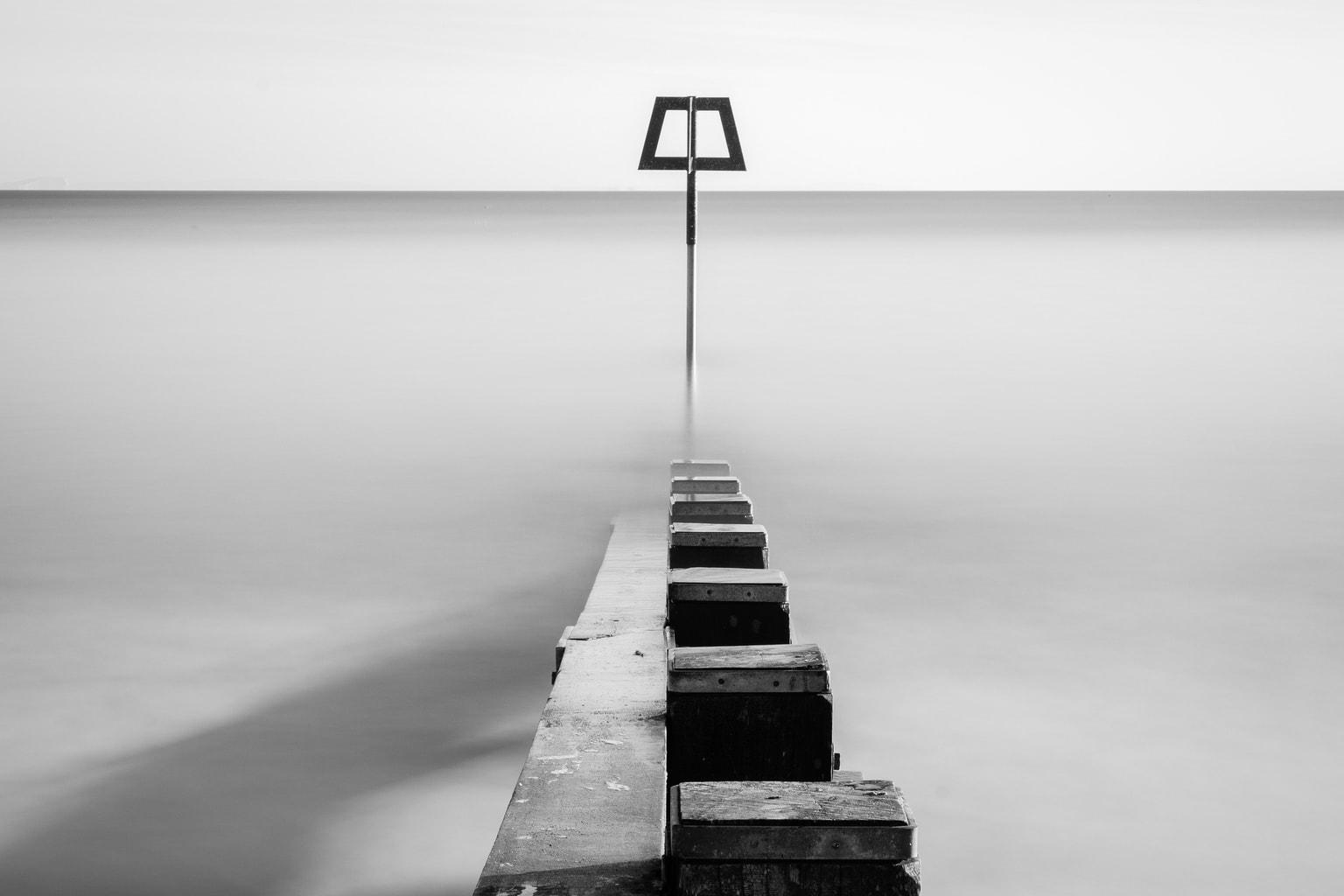 Mar, larga exposición y blanco y negro, una combinación ganadora