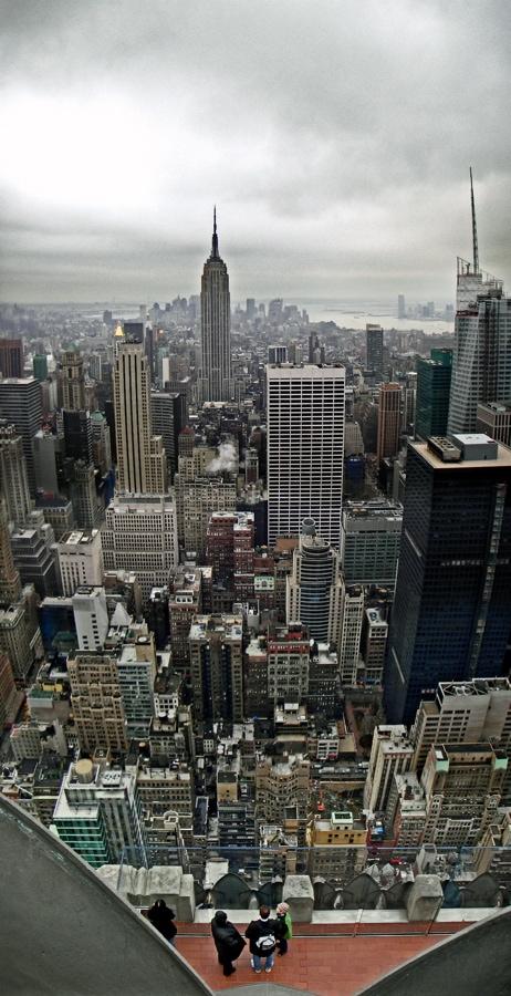 Panorámica de ciudad con rascacielos
