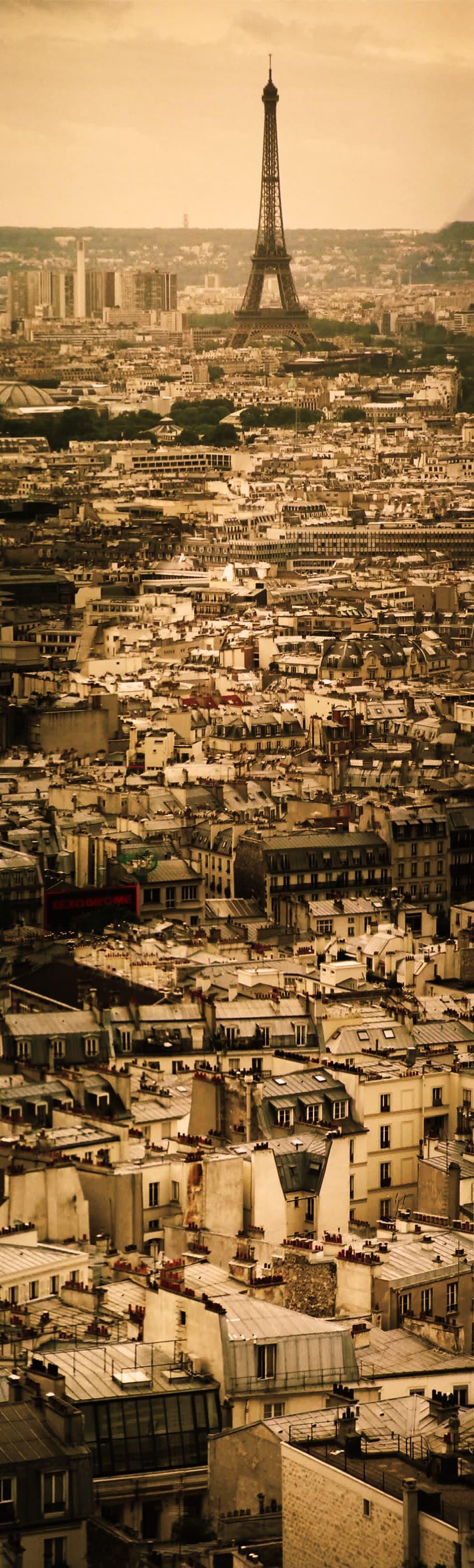París con Torre Eiffel al fondo