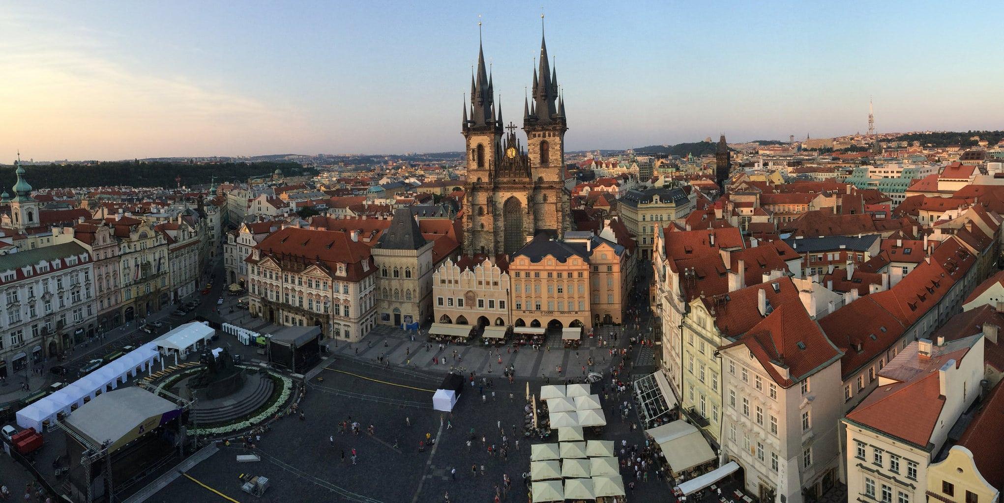 Juan Ortega_Atardecer en la plaza de la ciudad vieja de Praga
