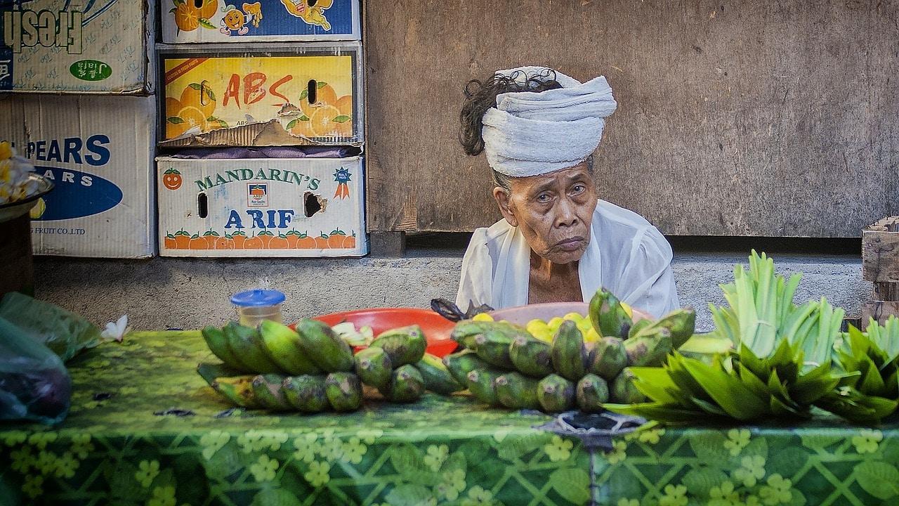 Puesto de frutas en Bali