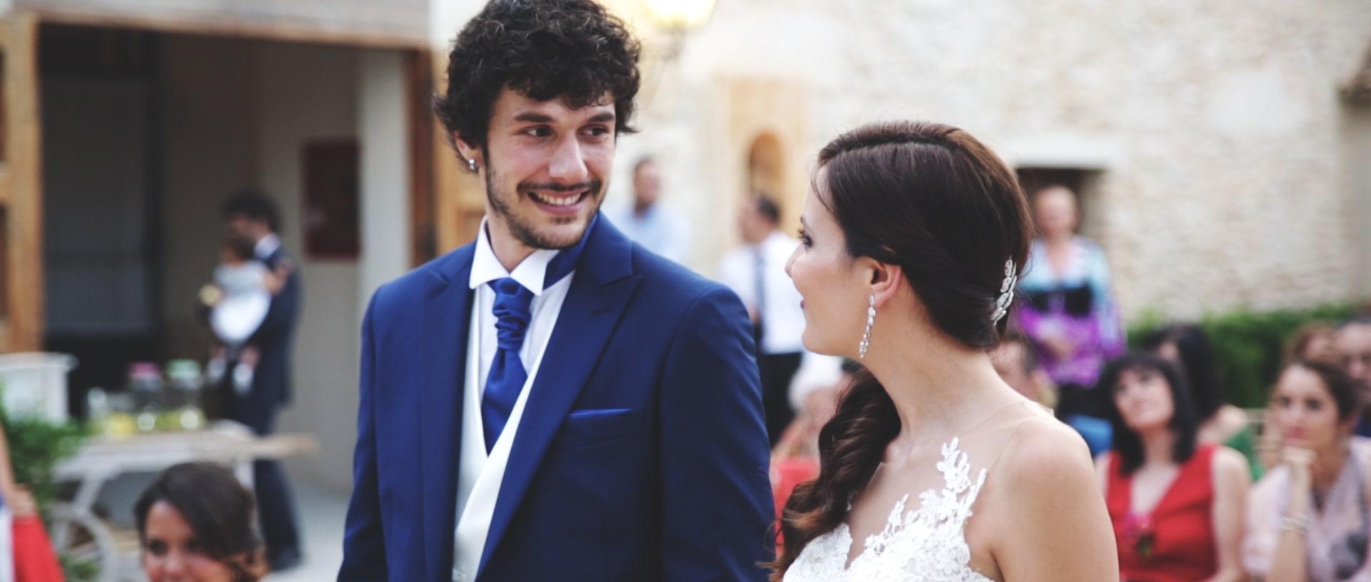 ejemplo pareja boda mirándose