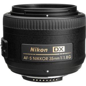 Nikkor AF-S DX 35 mm f / 1,8