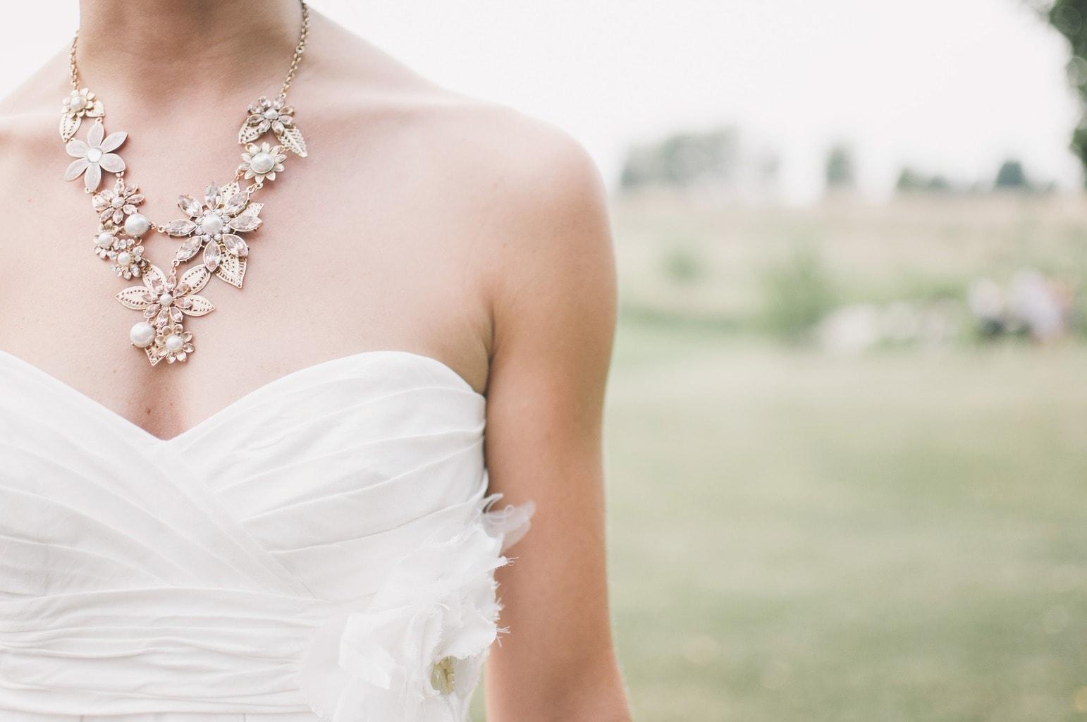 Retrato torso de una novia