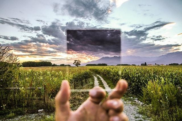 fotografía de un paisaje y filtro