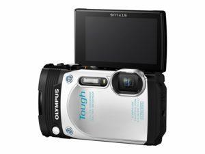 Fotografía frontal de la cámara Olympus Tough TG-870