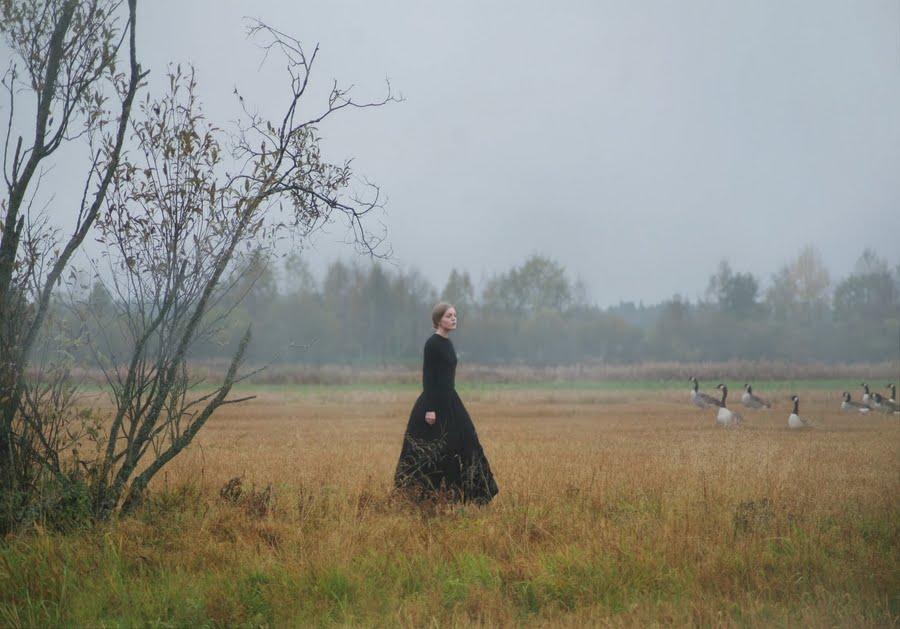 fotografía paisaje con una mujer Anna Adén