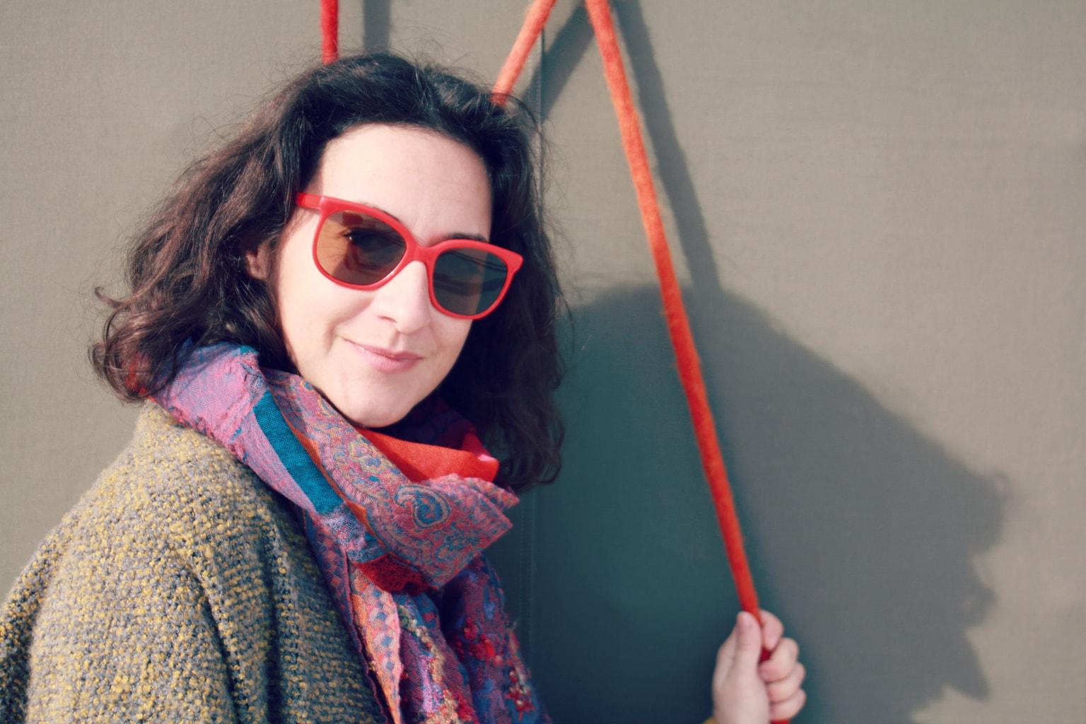 fotografía mujer con gafas