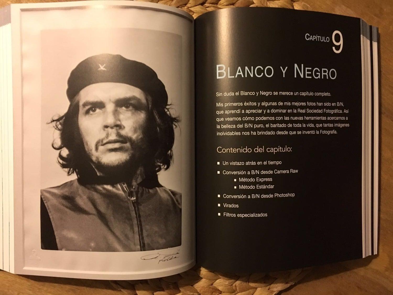 blanco y negro libro fotografía de alta calidad