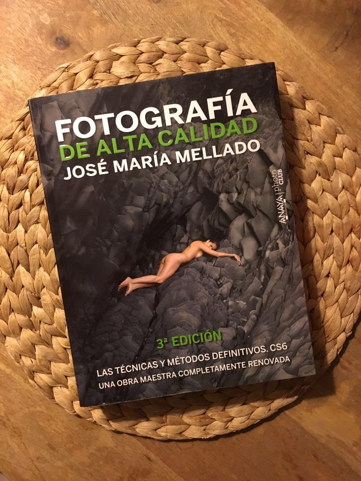 otra portada libro fotografía de alta calidad