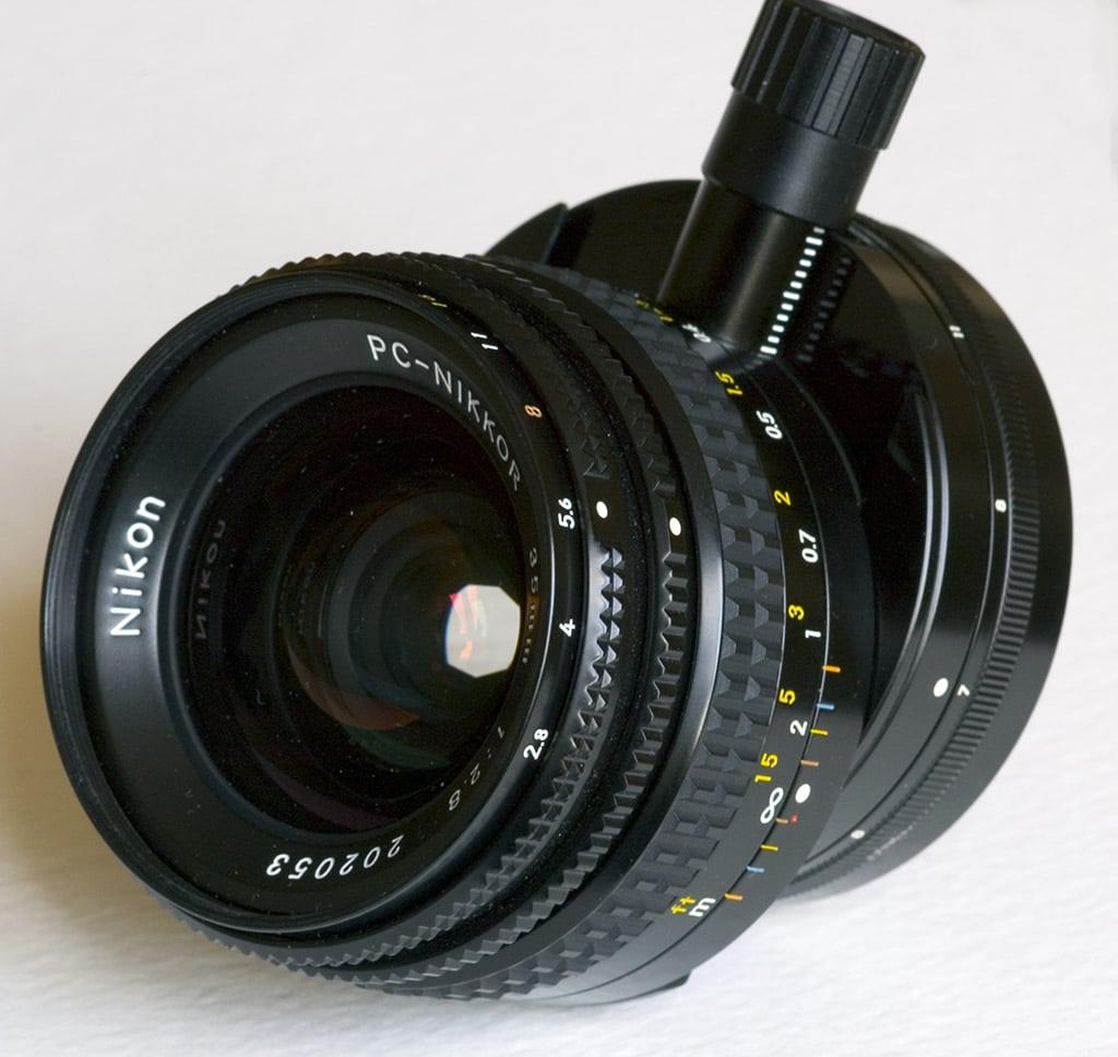 Objetivo descentrable Nikon 28mm f/3.5 PC