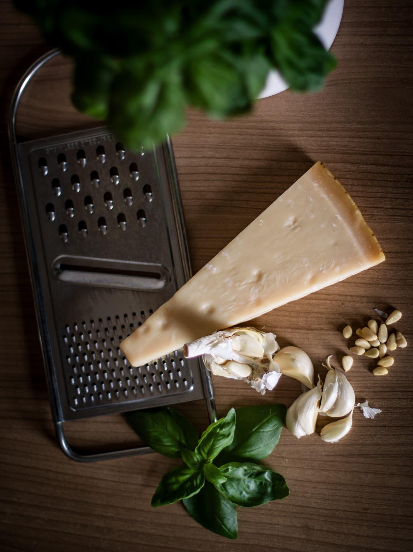 fotografía culinaria de queso parmesano
