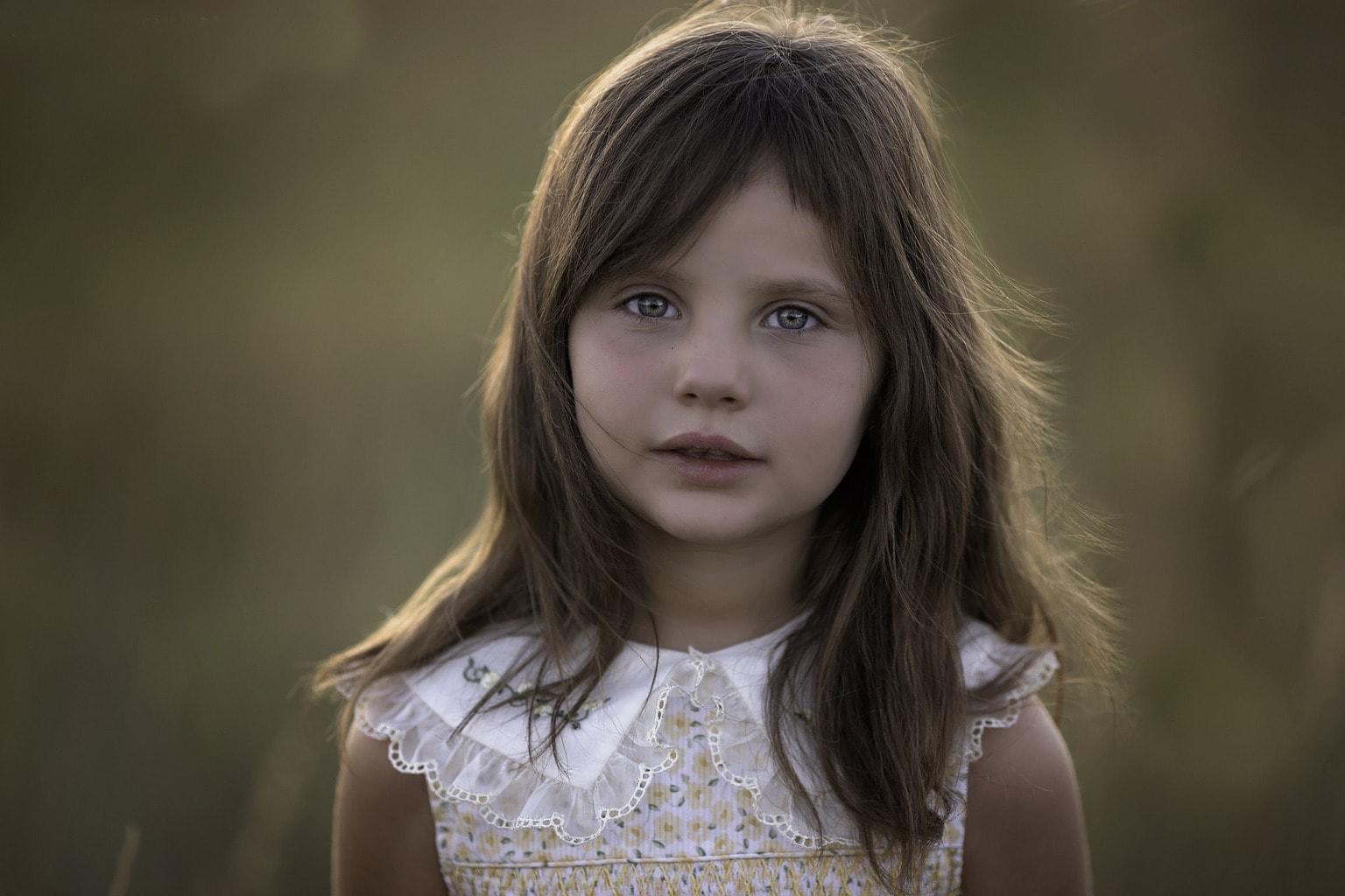 retrato de una niña guapa