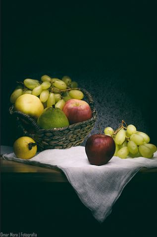 fotografía cesta de frutas