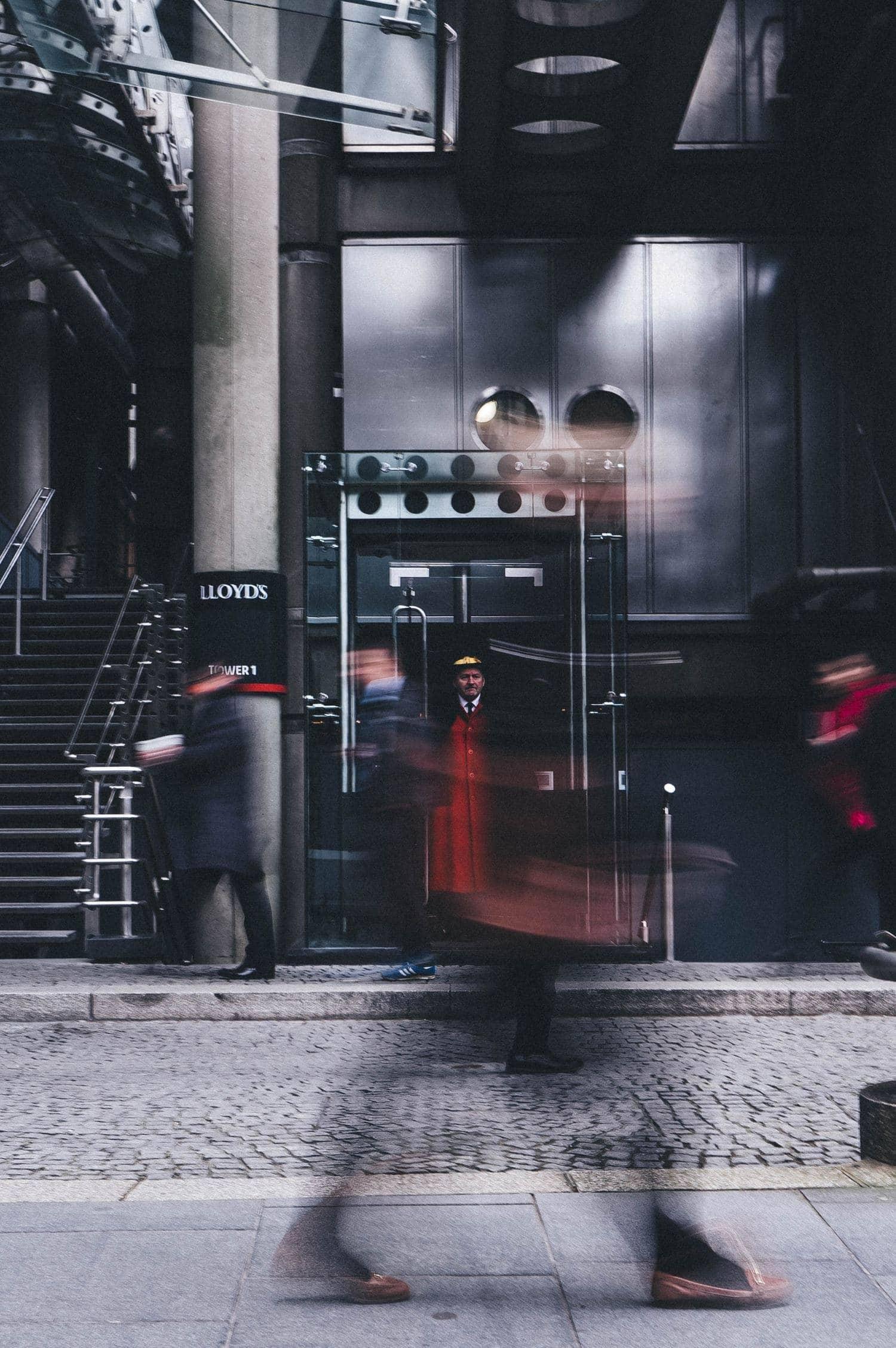 Fotografía callejera caminando Lloyds