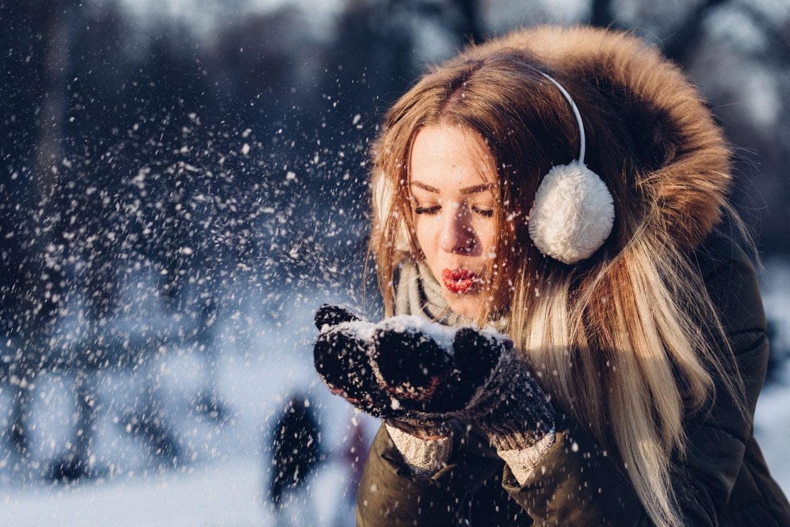 retrato de una chica con la nieve