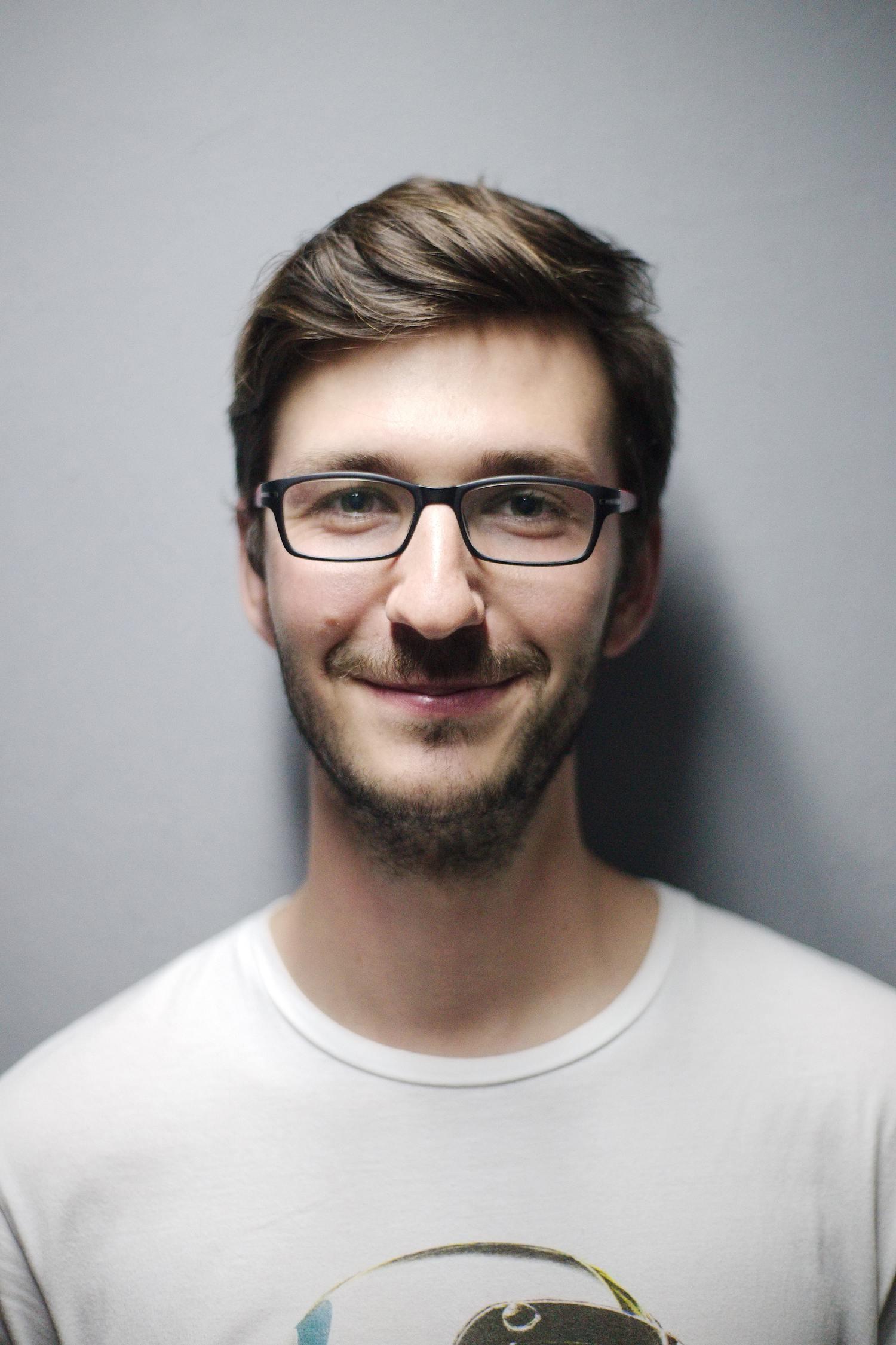 Retrato de un chico con barba
