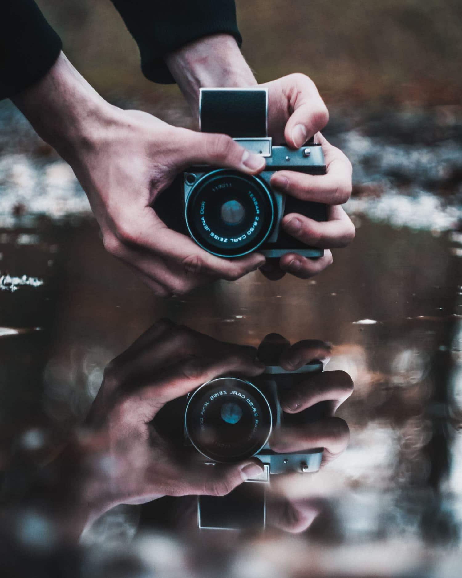 Fotografía de una cámara analógica