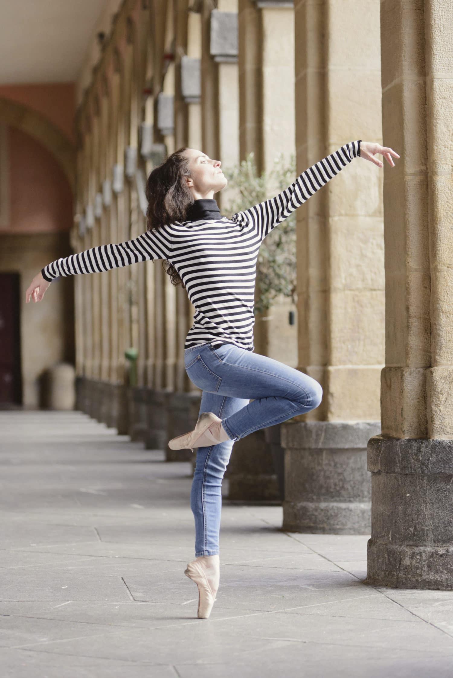 fotografía de una bailarina
