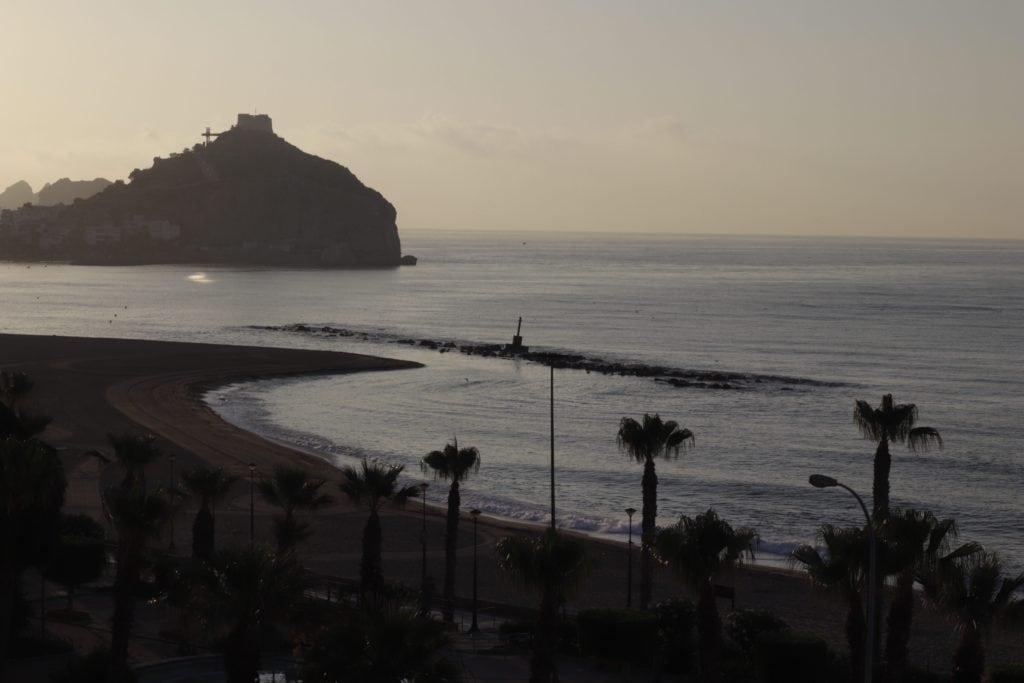 fotografía RAW de una playa
