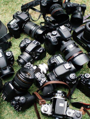 muchas cámaras en el suelo