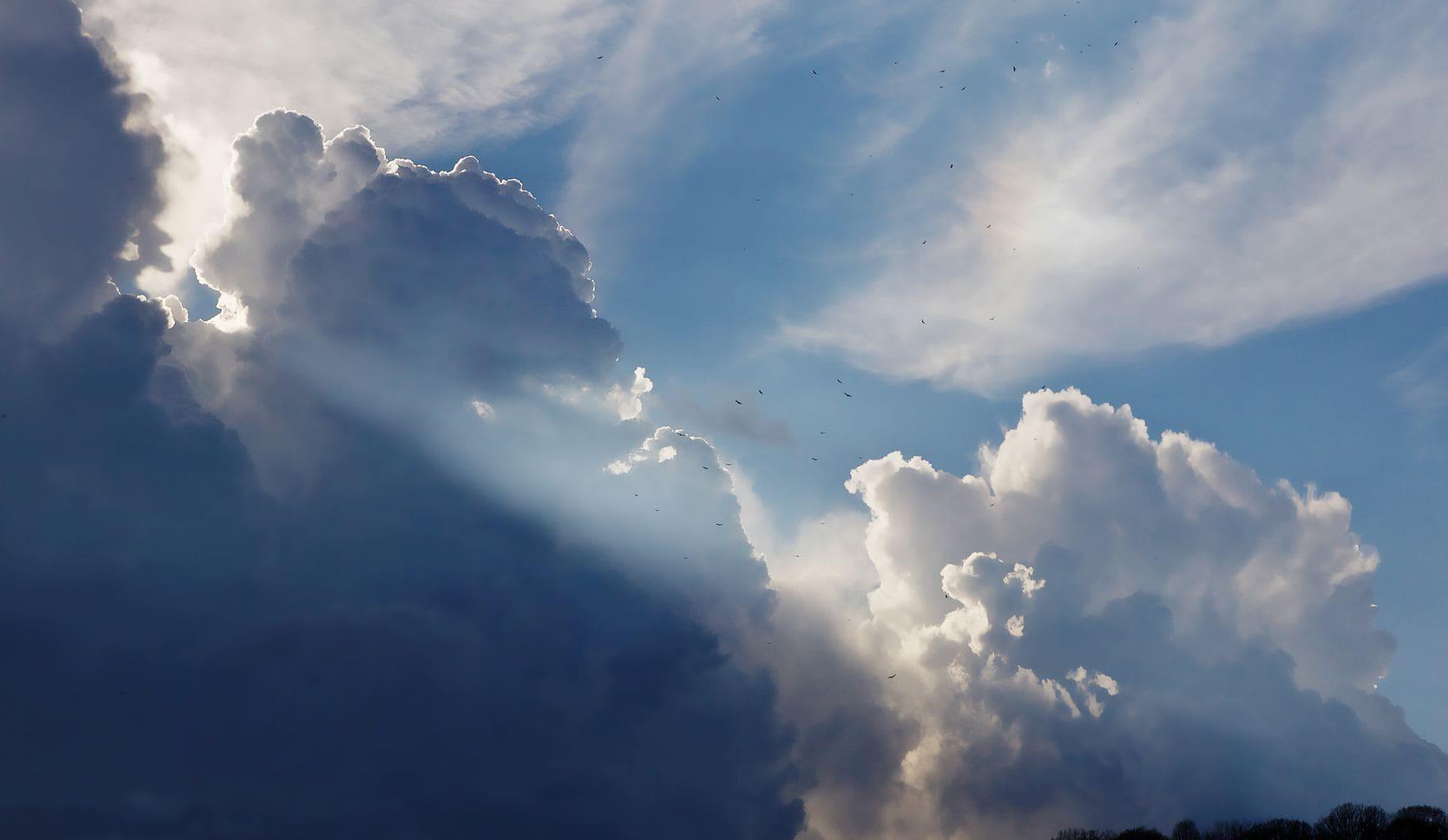 fotografía cielo con nubes en el cielo