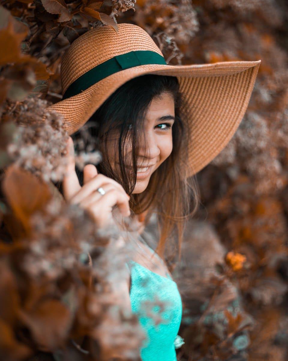 Fotografía retrato de una chica otoño