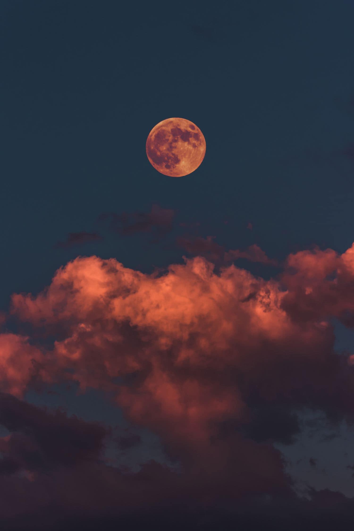 fotografía nocturna luna roja