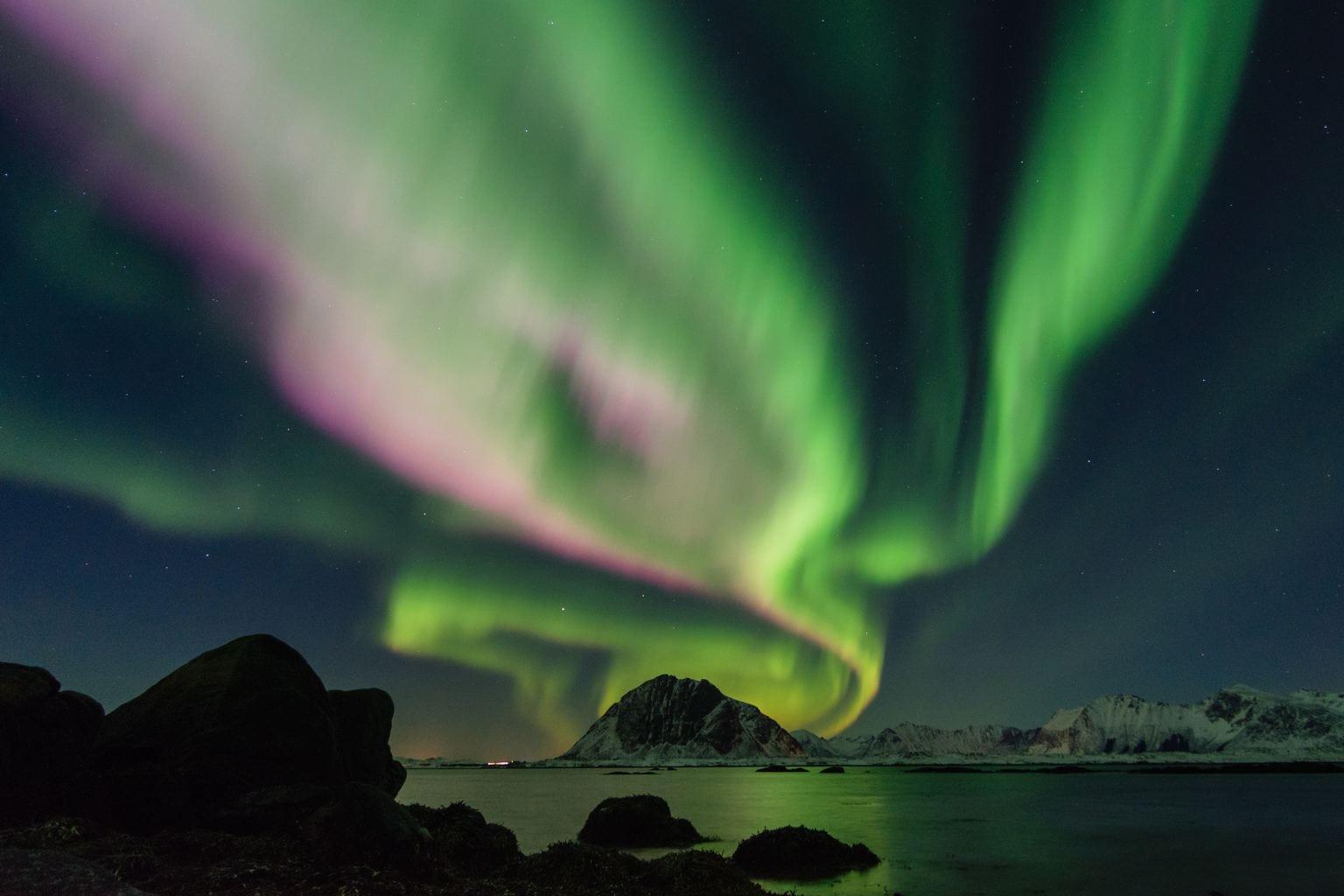fotografía nocturna aurora boreal