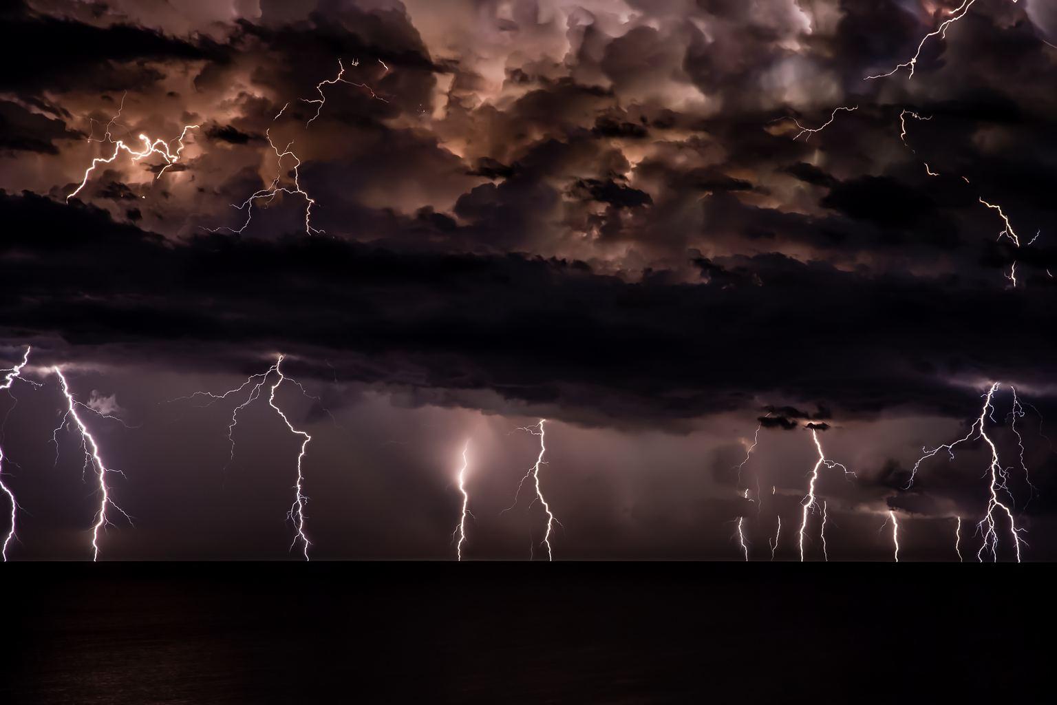 tormenta nocturna