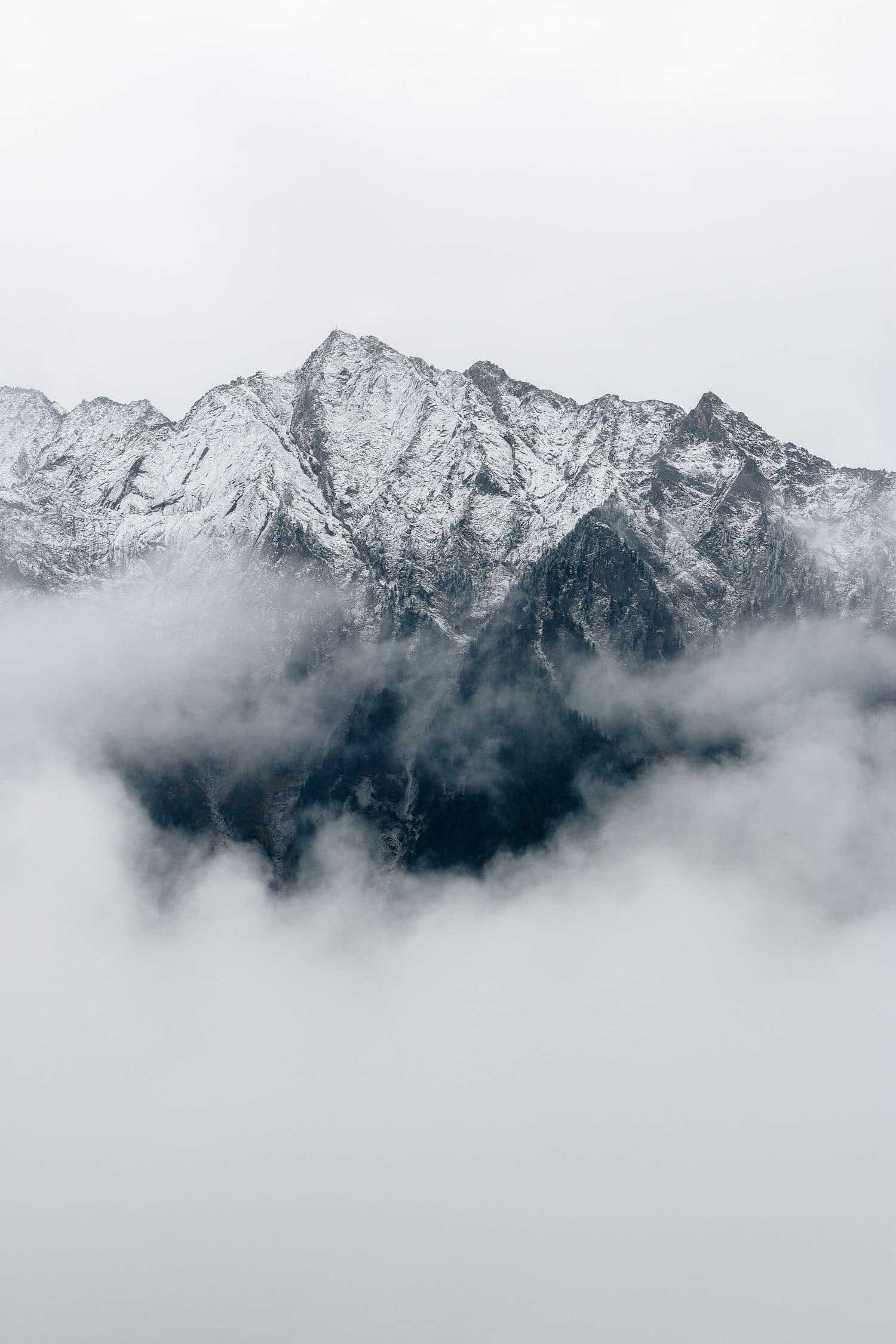 fotografía paisajes montaña entre nubes