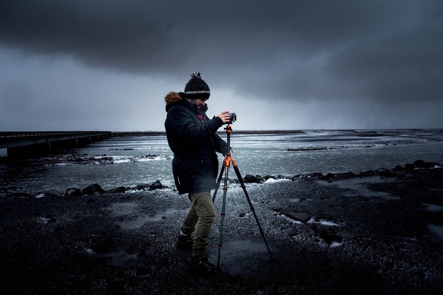 fotógrafo con trípode