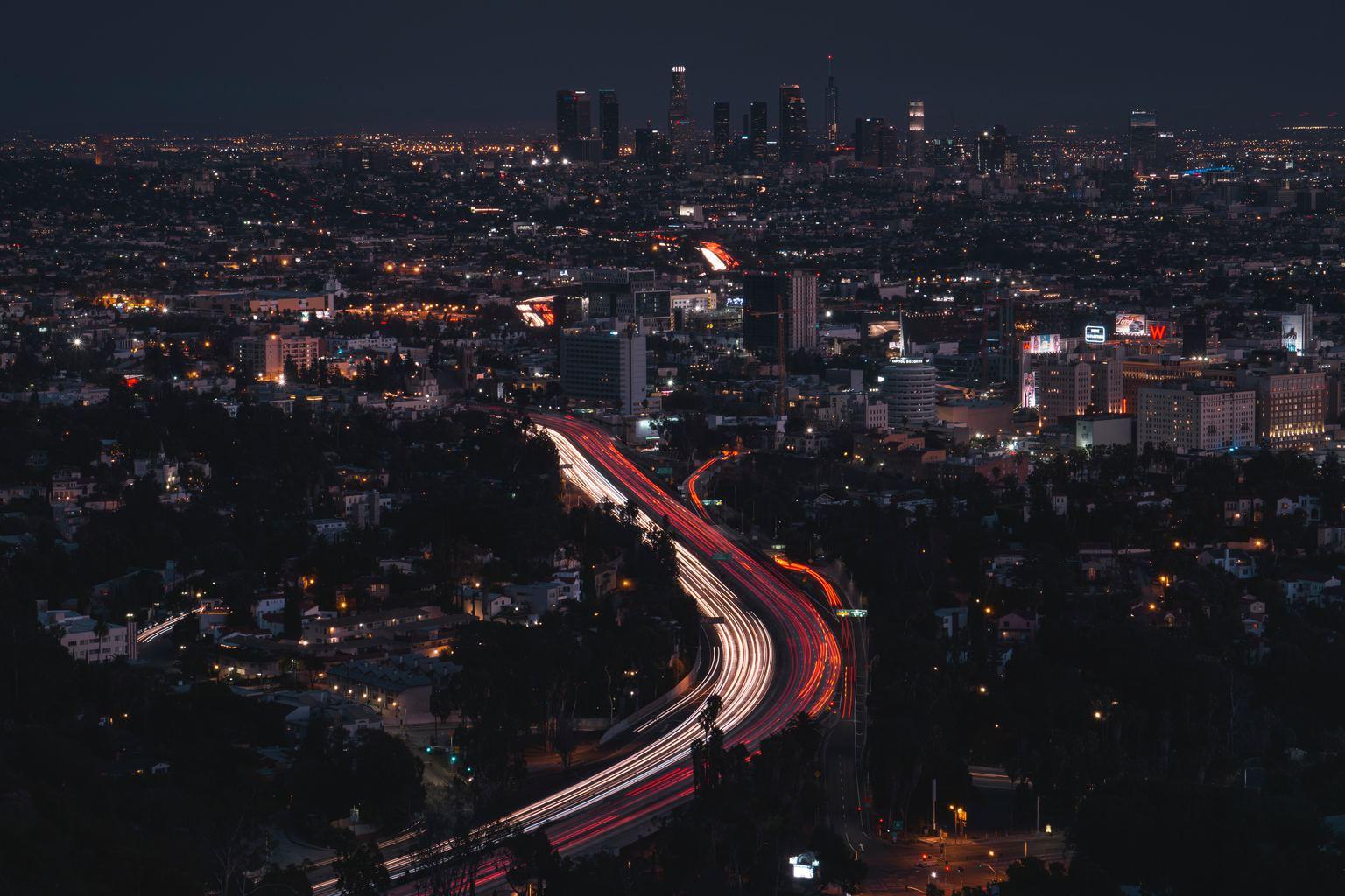 luces de coches en larga exposición