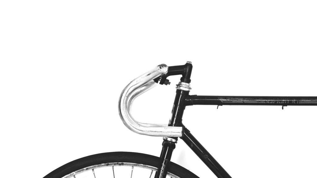 bici fondo blanco