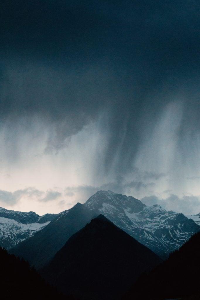 montaña paisaje lluvia