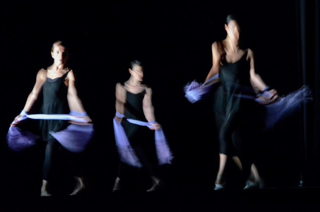 Bailarinas en movimiento
