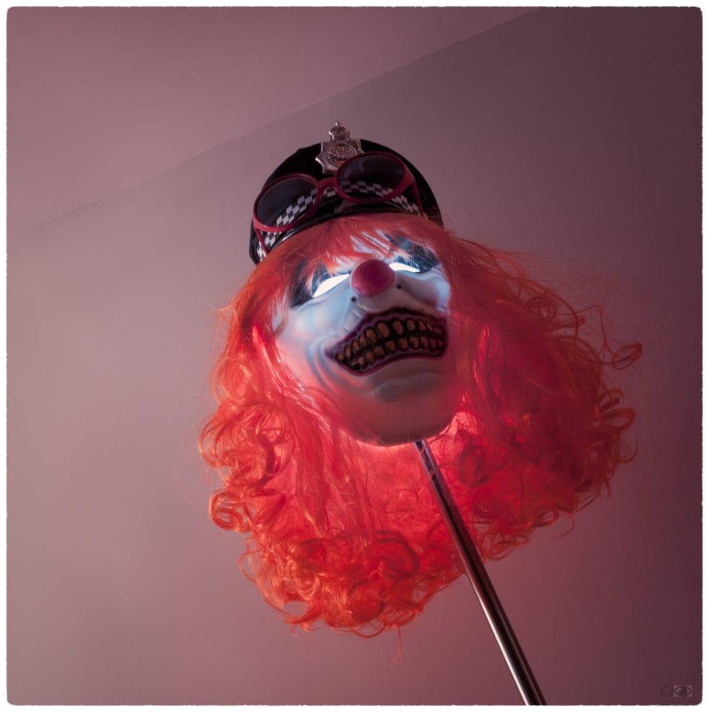 Máscara de carnaval iluminada por dentro