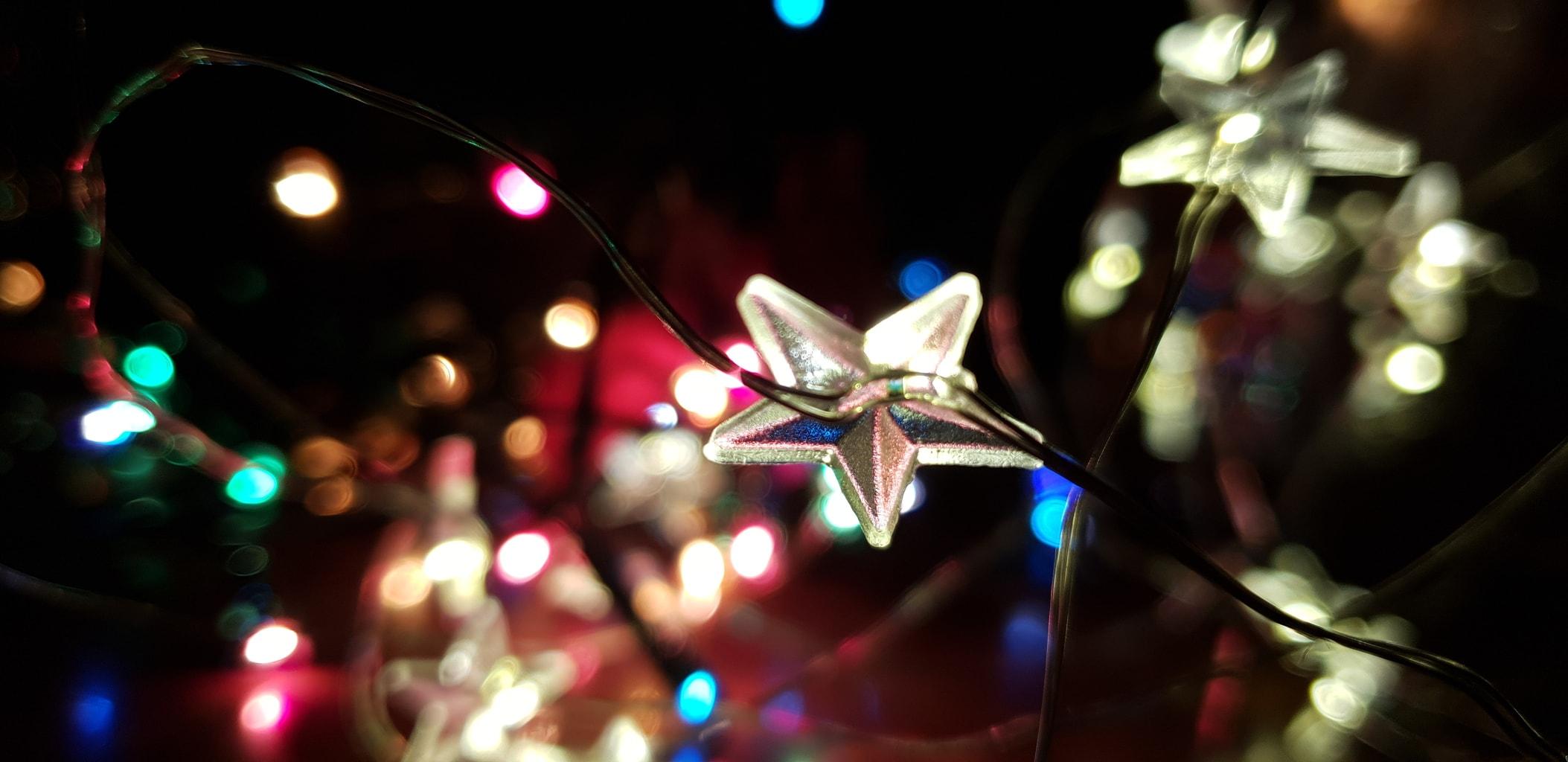 Foto de luces navideñas por un Samsung Galaxy S9
