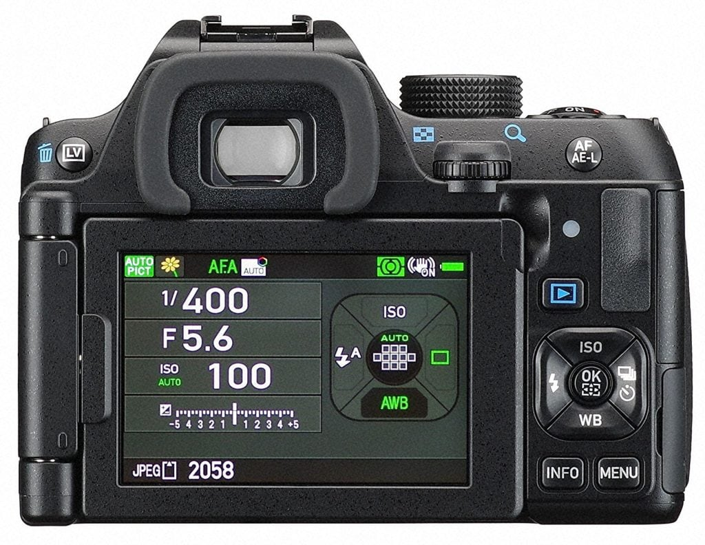 Vista trasera de la cámara Pentax K-70