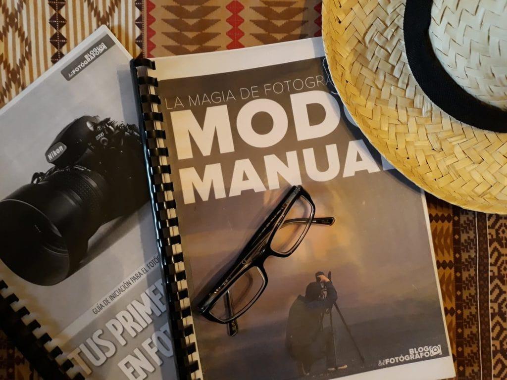 Gafas sobre portada libro Modo Manual